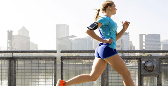 trang phụ khi chạy bộ cần vừa vặn cơ thể, không quá bó hay quá rộng