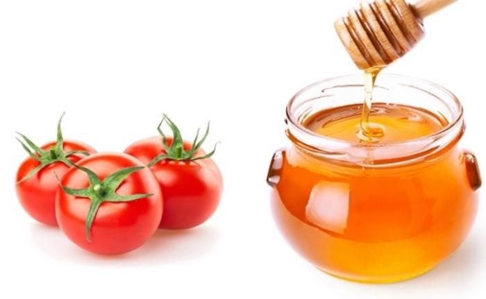 Triệt lông nách dân gian bằng mật ong và cà chua
