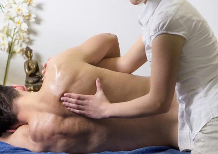 Những dịch vụ phái nam yêu thích có thể kể đến, massage, xông hơi, thải độc da,...