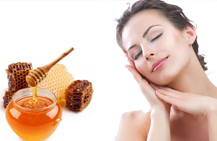 Mật ong được xem như thần được điều trị mụn đơn giản mà hiệu quả.