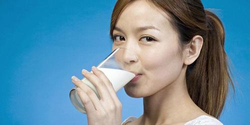 Uống nhiều sữa