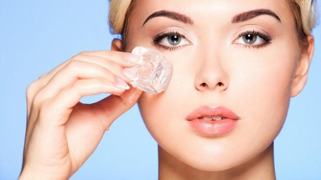 Cách cải thiện làn da với đá viên